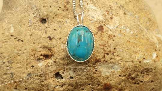 Small Turquoise pendant 14x10mm