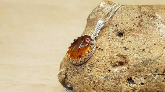 Amber pendant crown edge 14x10mm