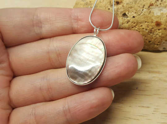 Sterling silver Black lip mother of pearl pendant