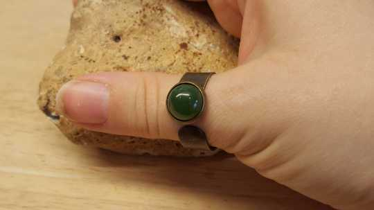 Mens nephrite jade ring
