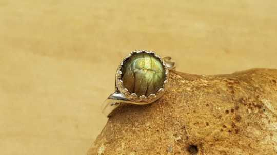 Labradorite ring 10mm