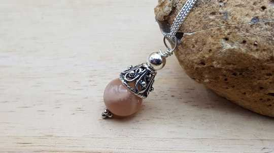 Small Sunstone pendant