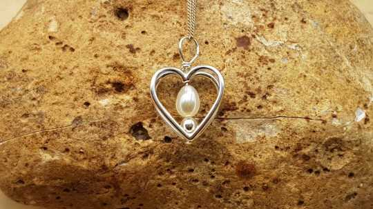 Fresh water pearl heart pendant