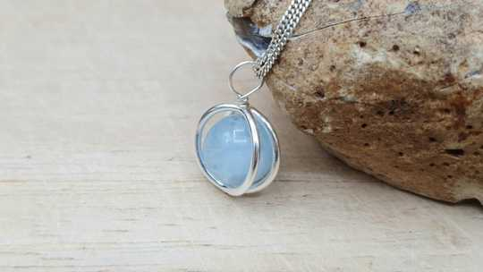 Aquamarine circle pendant