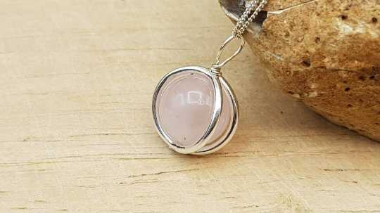Rose Quartz circle necklace