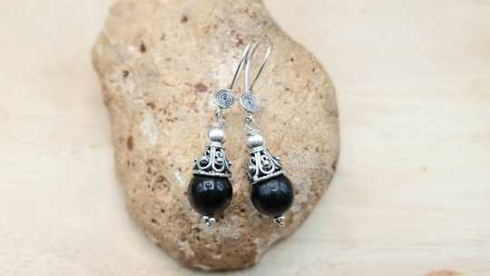 Arfvedsonite cone earrings